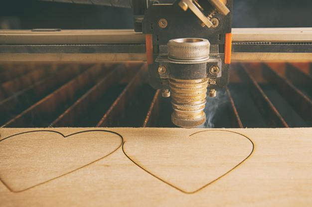 maquina de corte en madera